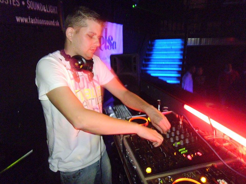 DJ Besiky m� nov� singel